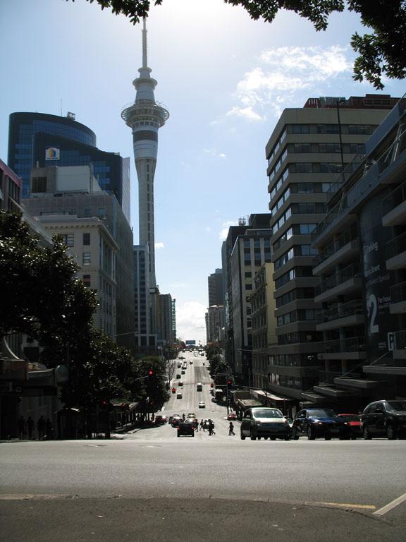 001 - Sky Tower d'Auckland
