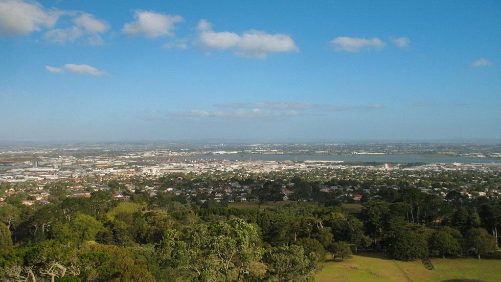 038 - Vue du sud d'Auckland