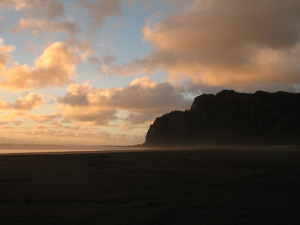 057 - Karekare Beach l'éclipsée