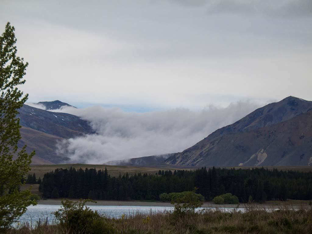 Montagnes et nuages depuis le Lake Tekapo