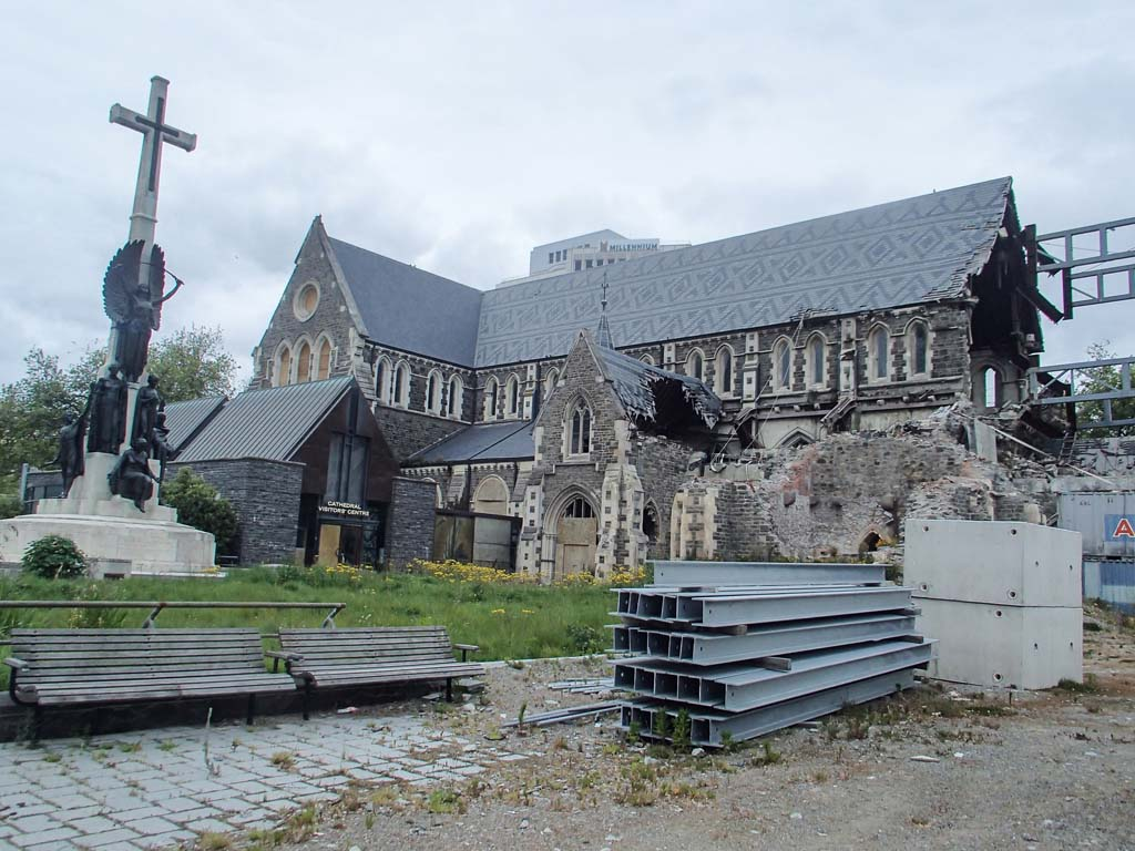 Cathédrale de Christchurch en ruine
