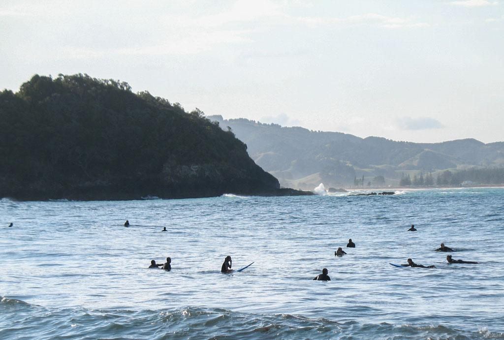 080 - Nuée de surfeurs