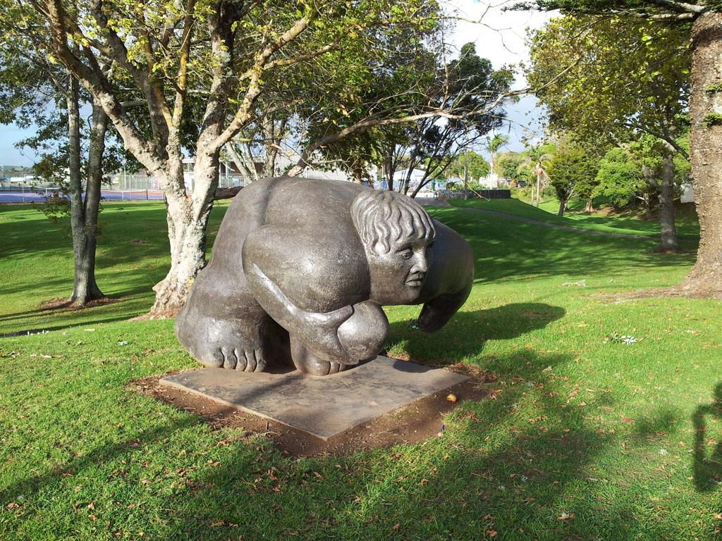 097 - Statue de Rugbyman dans Kaitaia