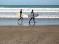 077 - Le duo de surfeurs