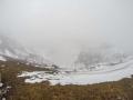 Red Crater dans le brouillard