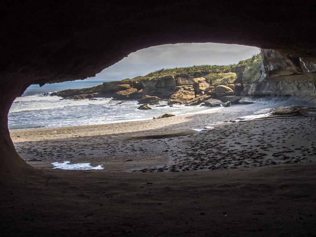 Grotte de Truman Beach