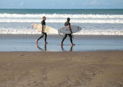 Sandy Bay - Surfeurs